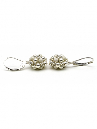 Silver Daisies - leverback earrings