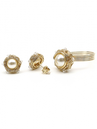 Sweet Cream set - stud earrings and ring