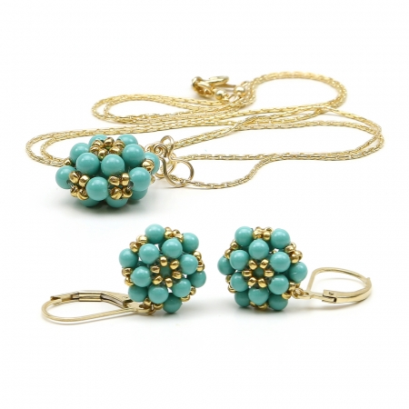 Daisies Jad set - pendant and leverback earrings