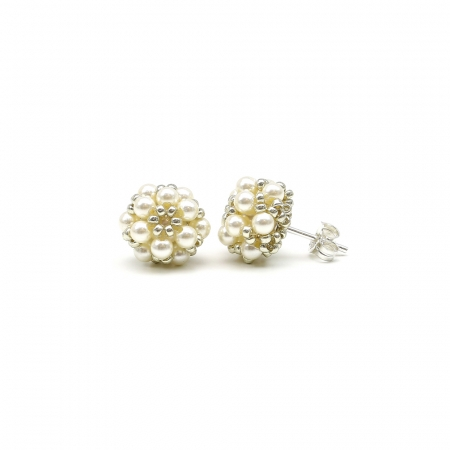 Daisies Cream- Silver stud earrings