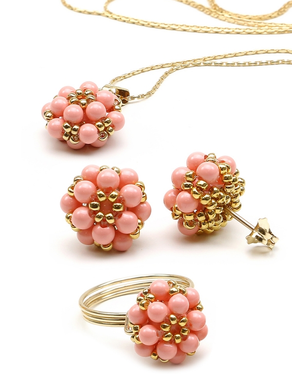 Daisies Pink Coral set - pendant, ring and stud earrings