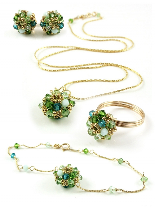 Set pendant, stud earrings, bracelet and ring by Ichiban - Daisies Herba Fresca