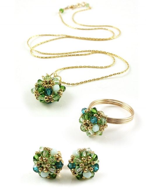 Set pendant, stud earrings and ring by Ichiban - Daisies Herba Fresca