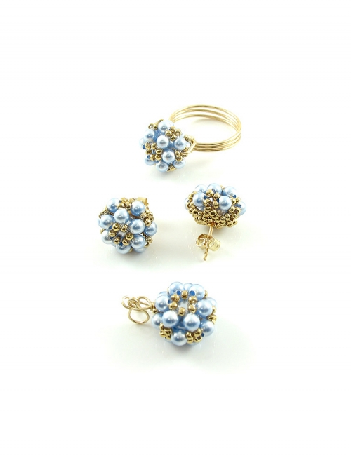 Set ring, stud earrings and pendant by Ichiban - Daisies Blue