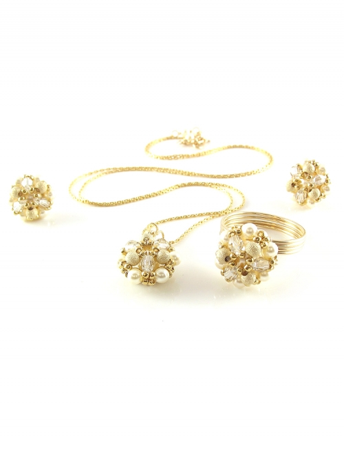Daisies Stardust set - pendant, stud earrings and ring