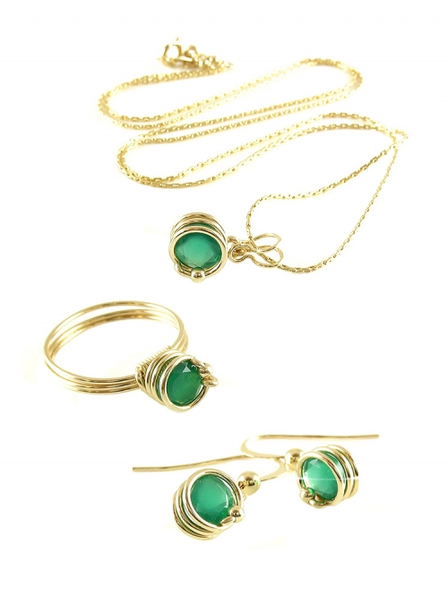 Busted Deluxe Green Onyx set - pendant, ring and earrings