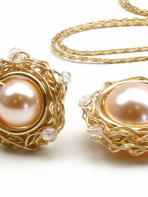 Sweet Peach set - pendant and earrings
