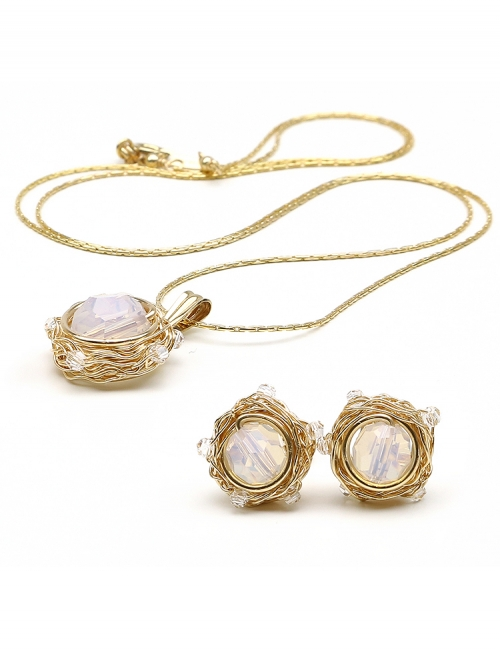 Sweet Opaline set - pendant and stud earrings