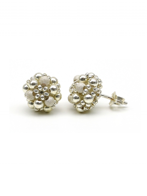 Silver Daisies - stud earrings