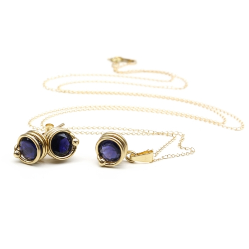 Busted gemstone Deluxe Iolite set - pendant and stud earrings