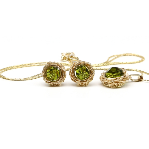 Sweet Olivine set - pendant and stud earrings