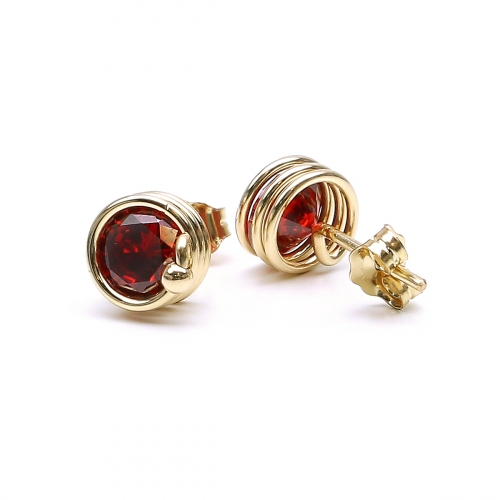 Stud earrings by Ichiban - Busted Red