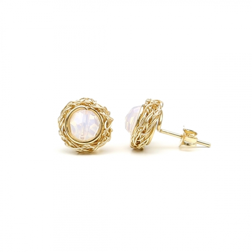 Stud earrings by Ichiban - Sweet Opaline